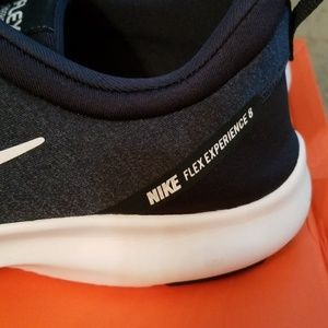 Nike Flex Experience 8 Running Shoes size 13 mens